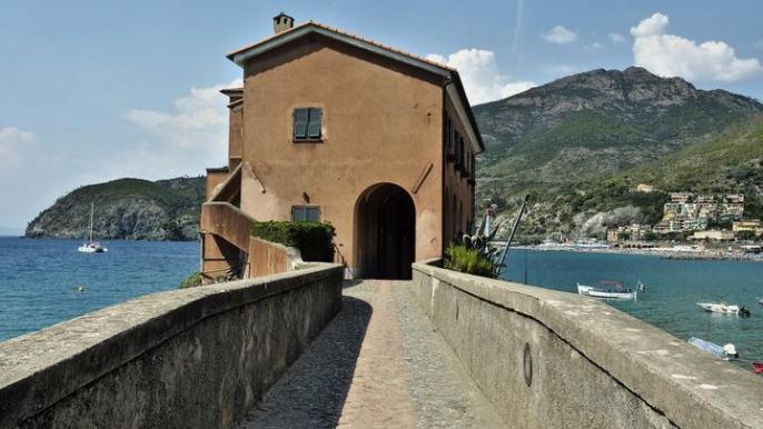 Along the sea of Liguria (Ebike) for Amazing Lucca