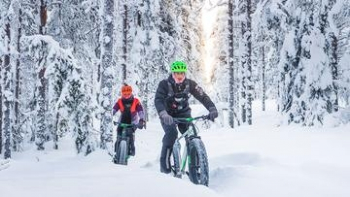 Fat bike winter morning ride for Roll Outdoors Oy