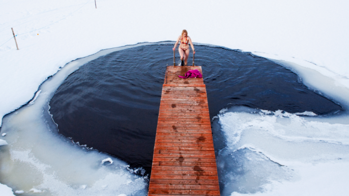 Sauna, ice swimming and nature walk with a local guide and 3-course buffet dinner for Hotelli Nuuksio