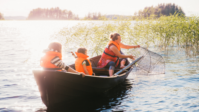 Rowing and Fishing by National park for Hotelli Nuuksio