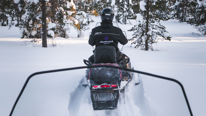 Noon Safari to Wilderness by Electric Snowmobiles for Aurora eMotion